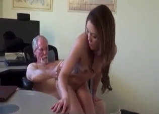Lucky grandpa gets sucked by a hot granddaughter