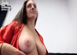 Perfect stepmom knows how to suck a dick